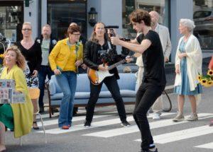I AKSJON: Det Ble En Hektisk Dag For Johannes Da Musikkvideoen Skulle Filmes. Foto: Kornelia Juul Nyland