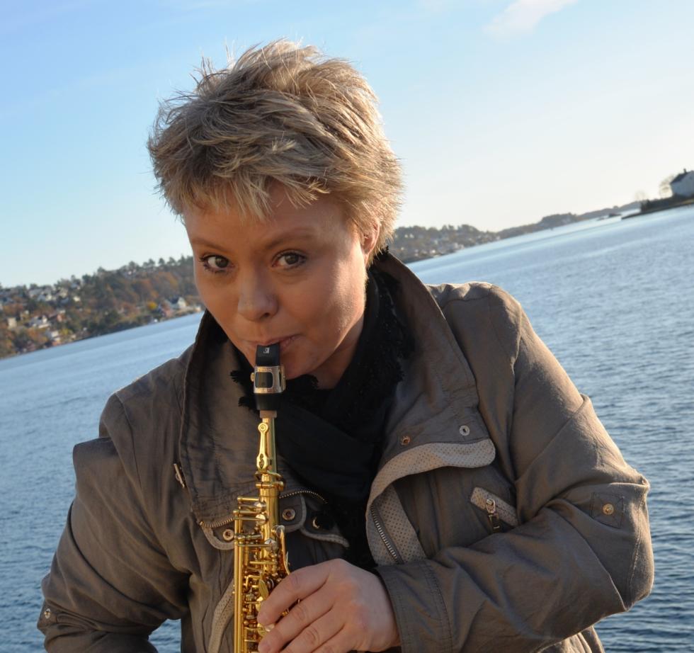 Hedrer Lokale Komponister Med Konsertturné