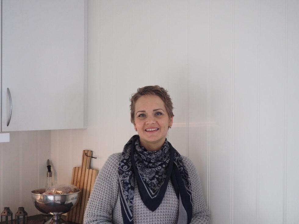 TAR UTDANNELSE: Rose-Linn Ser Lyst På Fremtiden, Og Utdanner Seg Til å Bli Yrkesfaglærer På Helse- Og Oppvekstlinja. Foto: Renate Andersen