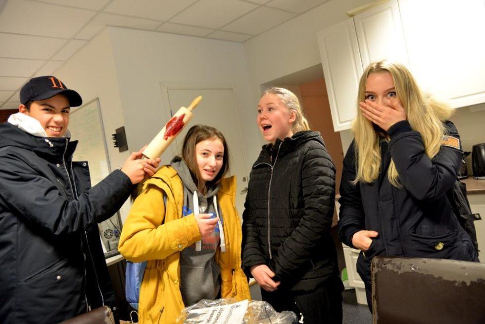 EN ANNERLEDES SKOLEDAG: Den Store «mordgåten»på Stinta Skole