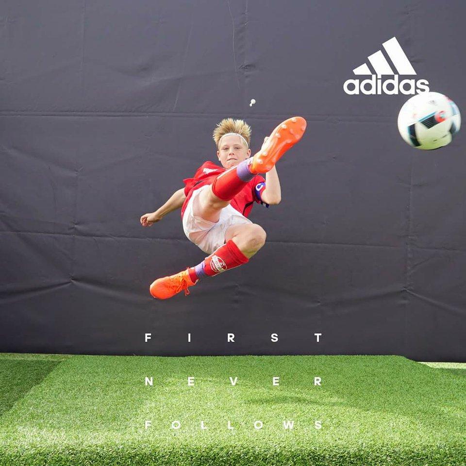 Ungt Fotballtalent Tør å Drømme Stort