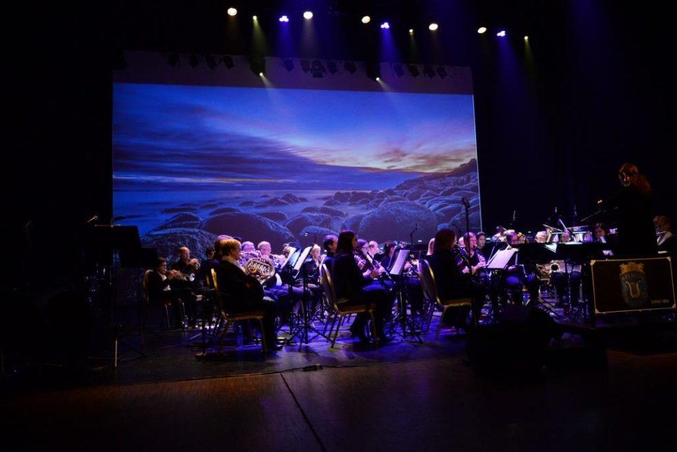 Anmeldelse Nyttårskonsert: Byorkesteret Smalt Til Med Et Musikalsk Fyrverkeri