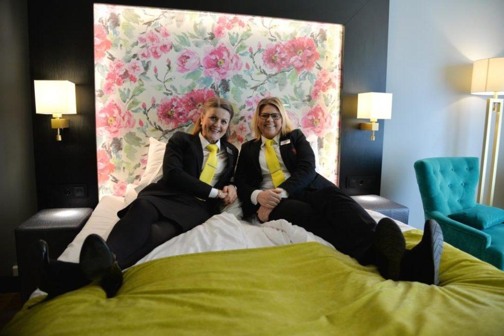 Lokker Gjestene Med Gratis Hotellovernatting