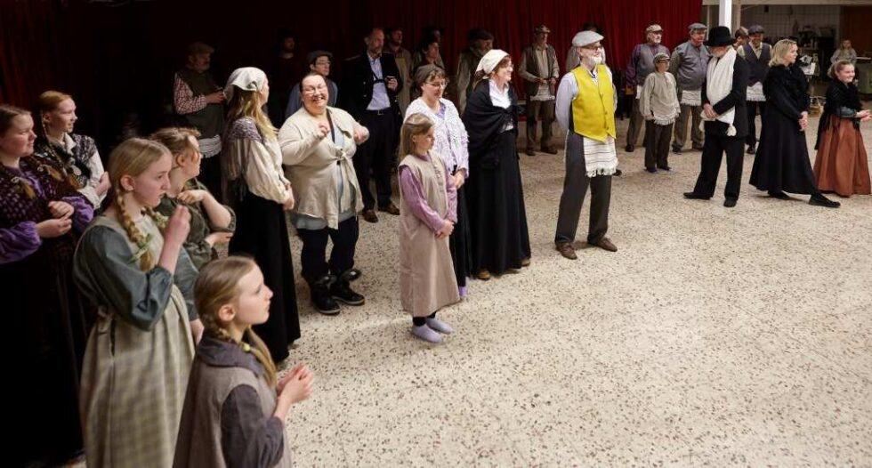 SISTE FINPUSS: Arendal Musikkteater Jobber Med Siste Finpuss. Foto: Leif  Andersen