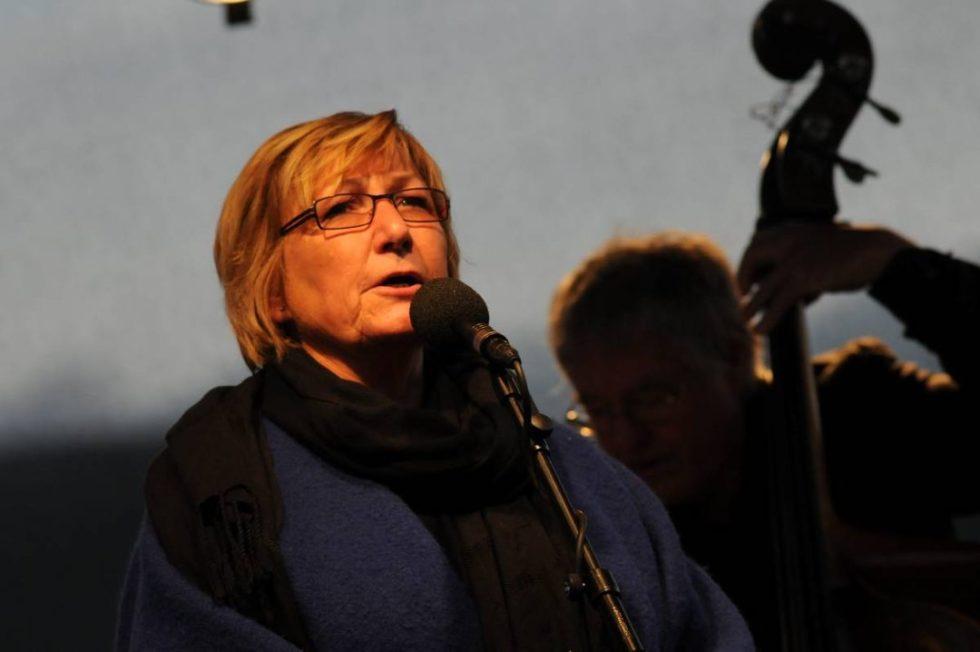 Folkemusikk Ispedd Gamle Viser Og Jazz