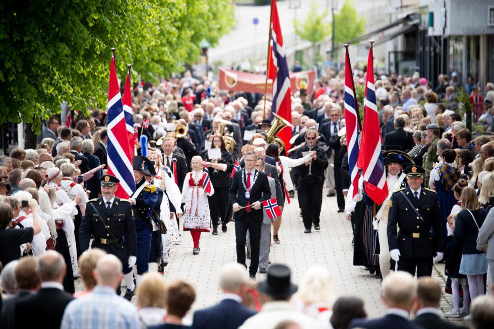 Se Bilder Fra Folketoget I Arendal
