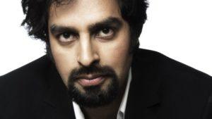 UREDD: Zahid Ali Blir Betegnet Som En Uredd Komiker. Fredag Står Han På Scenen På Holmen I Kilsund. Pressefoto