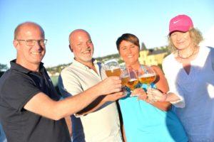 TESTPANEL: Fire Personer Fra Arendal Testet Sommerens øl. F.v: Harald Dalholt, André Fjeldseth, Linda Ugland Og Elise Hannaas.