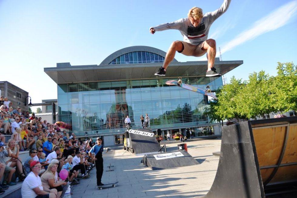 Lars (10) Skatet Sammen Med Norgeseliten I Spektakulært Show