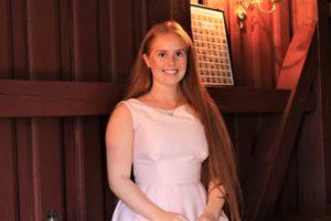 KLASSISK: Sangtalentet My Therese Falck Lepsøy (17) Fra Bergen Fylte Kirkerommet På Tromøy Med Sang.