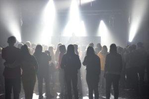 KONSERT: Ungdommen Stimlet Seg Foran Scenen For å Få Med Seg Konsertene. Foto: Linda Dyrholm