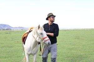 MONGOLSK NATUR: Eirik Har Sett Mongolia Fra Hesteryggen Og Forelsket Seg I Landet. Foto: Privat