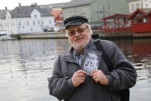 FORFATTER: Nils-Petter Enstad Er Bosatt På Rykene. Denne Måneden Gir Han Ut To Nye Bøker. Foto: Helene Walle