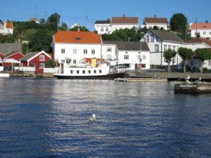 HISØY: Kolbjørnsvik Er Et Sentralt Møtepunkt På Hisøy Med Ferjeforbindelse Til Arendal. Foto: Søren Chr. Christensen/Hisøy Historielag