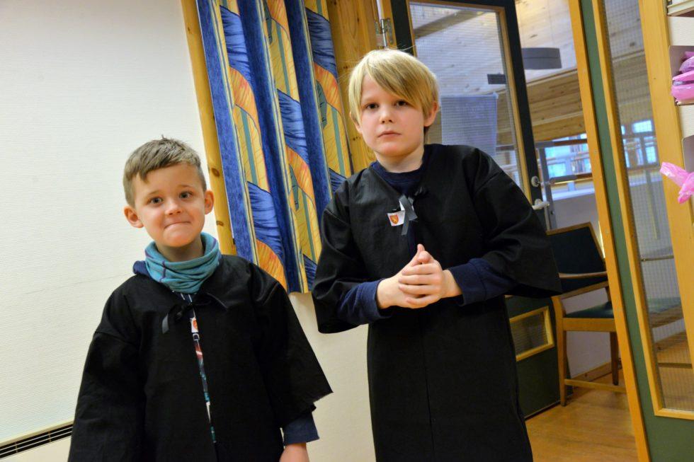 TROLLMENN: Barna Sydde Sine Egne Trollmennskapper På Harry Potter-dagene På Biblioteket I Vinterferien.