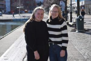 SPENTE: Tiia Maria Aarsæther Og Gina Marie Johansen Er Blant De Elevene Som Har Søkt På Videre Utdanning Og Gleder Seg.