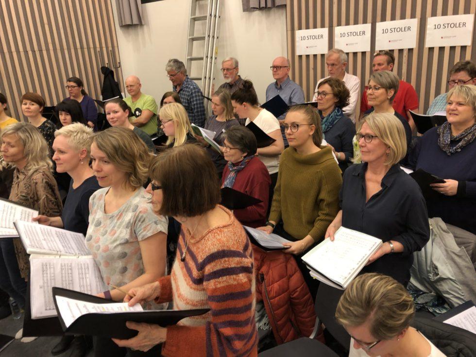 50 SANGERE: Storegabet Blandakor Og Agder Vokalensemble Skal Synge Sammen Med Christianssand Storband. Pressefoto