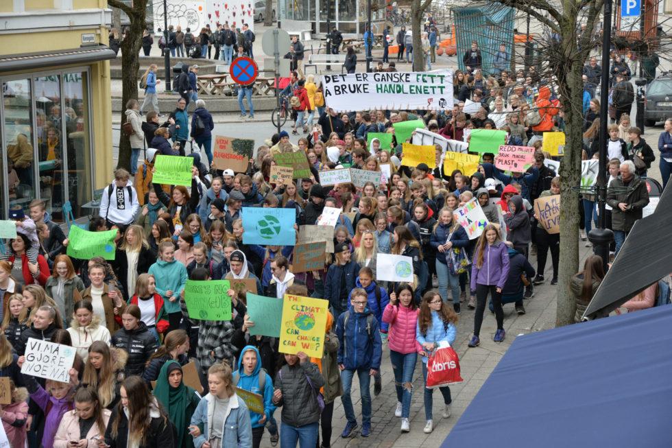 MILJØ: Hundrevis Av Barn Og Ungdom Droppet Skolen For å Gå I Miljøstreik Fredag. Foto: Linda Dyrholm