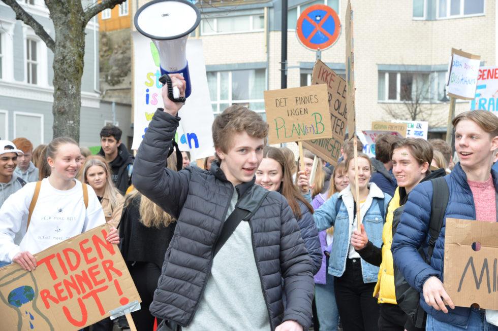 Heljeprat: Hurra For Ungdomsopprør
