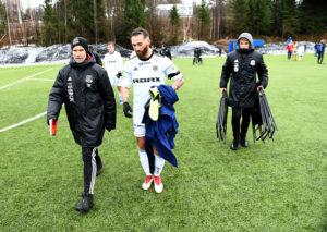 STØ KURS: Trener For Arendal Fotball, Steinar Pedersen (t.v) Er Imponert Over Utviklingen Klubben Har Vist De Siste Månedene. Foto: Olav Svaland
