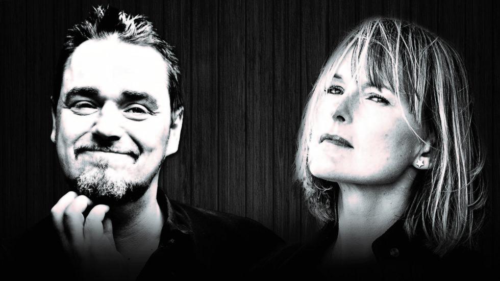 HYLLEST: Jack Vreeswijk Og Cajsa Stina Åkerström Hyller Sine Kjente Fedre. Pressefoto