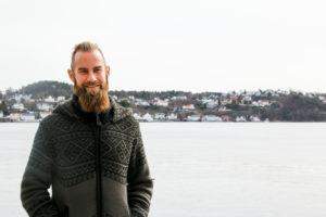 SHIBBYTRAVELER: Under Aliaset Shibbytraveler Skal Joachim Larssen Padle Hele Norskekysten. Foto: Grete Helgebø