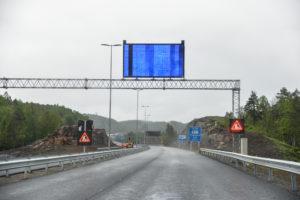 NULL BOM: Fram Til 1.september Kan Du Kjøre Gratis På Den Nye Motorveien Mellom Arendal Og Grimstad. Arkivfoto