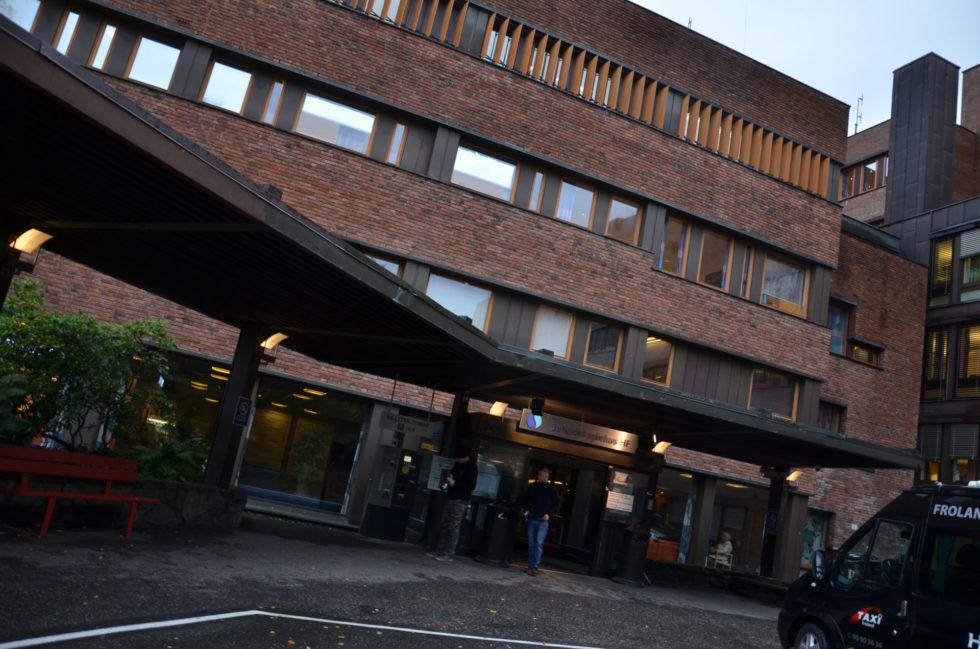 Basseng På Sykehuset Stengt Med Umiddelbar Virkning
