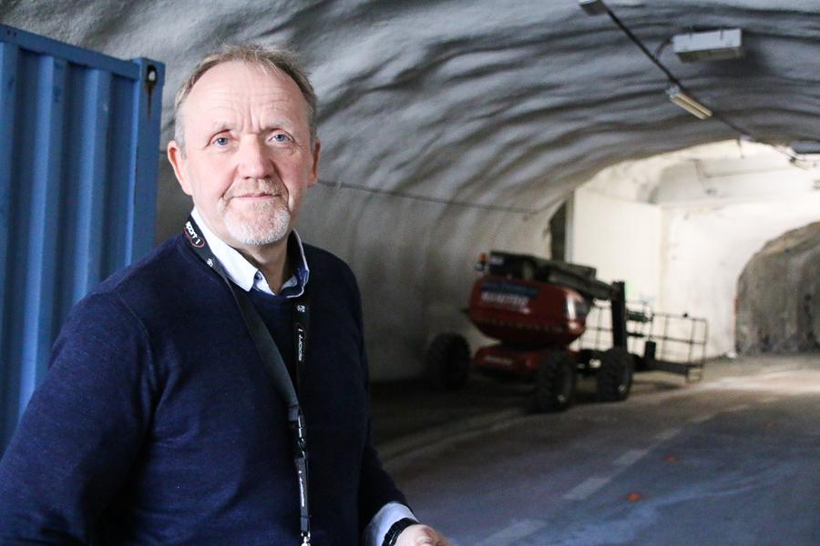 VEI OG PARKERING: Vidar Holmsen Engh Er Avdelingsleder For Vei Og Parkering I Arendal Kommune. Foto: Grete Helgebø