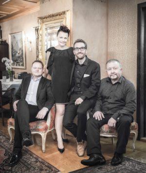 MONIKAZ: Stina Stenerud, Paul «Palle» Wagnberg, Eirik Berg Svela Og Erik Jøkling. Pressefoto