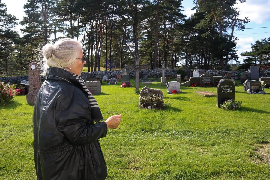 FORFALLER: Falck Mener Middelalderkirkegården Kan Miste Sitt Preg Og Viktig Historie Dersom Det Ikke Tas Grep Nå. Foto: Grete Helgebø