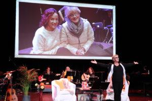 FAN: Store Deler Av Forestillingen Var Viet Anitas Enorme Fascinasjon For Inger Lise Rypdal. Foto: Grete Helgebø