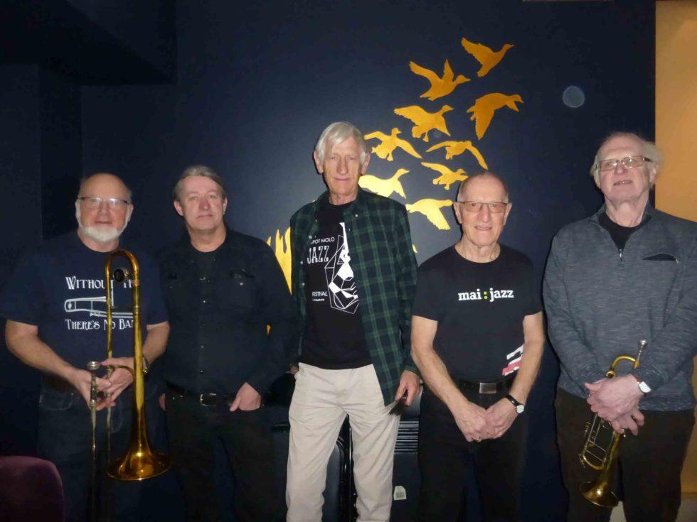Tradisjonsrikt Jazzband Spiller Opp