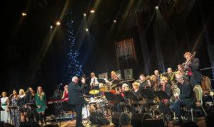JULEKONSERT: Arendal Big Band Holdt Tradisjon Tro Julekonsert Like Før Jul. Foto: Grete Helgebø