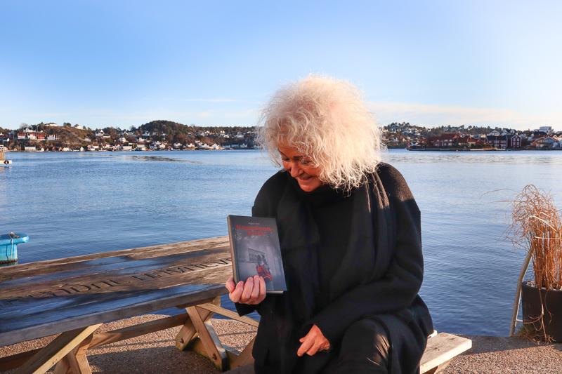 DEBUTANT: Ragna Dahls Først Roman Er Inspirert Av Hennes Eget Liv Og Handler Om Hovedpersonen Anna. Alle Foto: Grete Helgebø