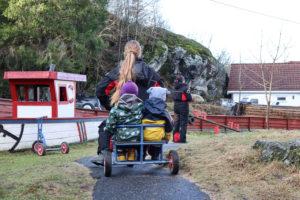TOLV BARN: Totalt Er Det Kun Tolv Barn I Lille Strømsbu Barnehage, De Er Godkjent For Opp Til 24. Foto: Grete Helgebø