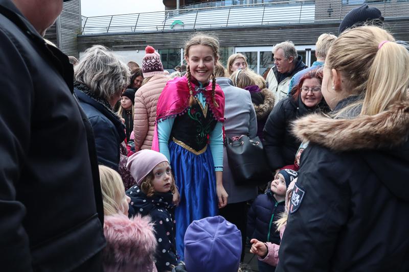 Yrende Liv På Vinterfestivalen