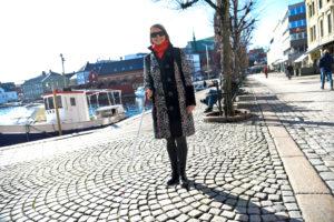 BLIND: Britta Tranholm Hansen Er Praktisk Blind, Men Lever Et Aktivt Selvstendig Liv. Nå Vil Hun Hjelpe Andre Synshemmede Til å Få En Bedre Livskvalitet. Foto: Linda Dyrholm