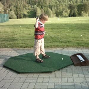 Golfklubben permitterer