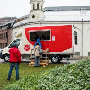Rapporten om velferdsstaten «Der skoen trykker»: Den skjulte fattigdommen - flere må  ha mat fra Frelsesarmeen i Arendal